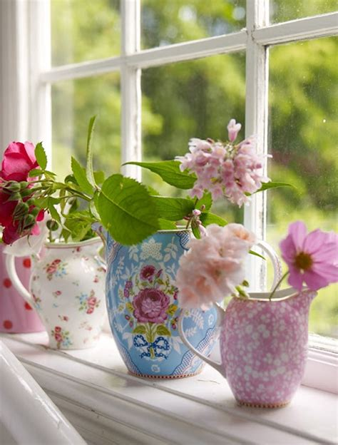 Flower Decor In Window Kitchen Top 10 Window Boxes With Flower Decorations Home Design