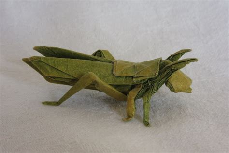 Origami Locust - origami locust by genghiskhanit on deviantart