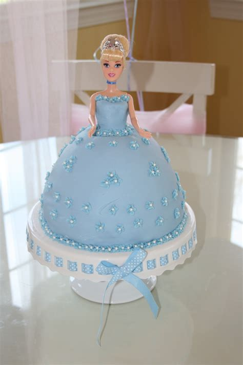 cinderella baby shower cakes 17 best images about cinderella baby shower on