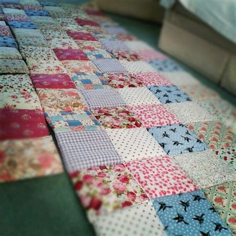Sewing Patchwork Quilts - sewn patchwork quilt crafting