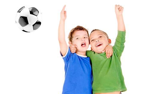 imagenes de dos niños jugando futbol soy un ni 241 o y quiero jugar post protesta luc 237 a mi