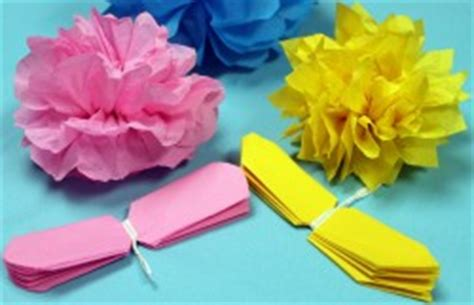How To Make Simple Flowers Out Of Tissue Paper - how to make tissue paper flowers