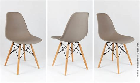 chaises taupe chaise eames taupe avec pieds en bois house and garden