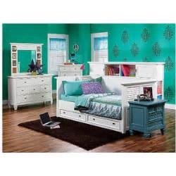 rooms to go beds for belmar white 4 pc daybed bedroom rooms to go