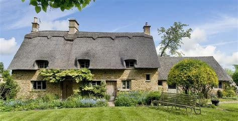 cottage hire cotswolds secret cottage guided tour in gloucestershire cotswolds
