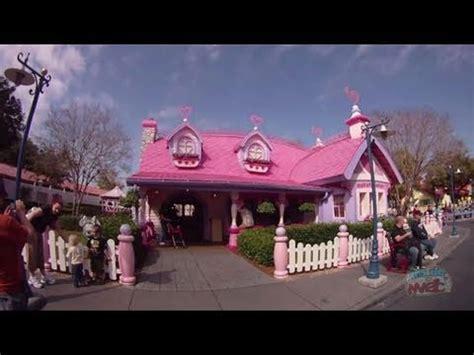 minnie s house disney world minnie s house in mickey s toontown fair at the magic kingdom walt disney world youtube