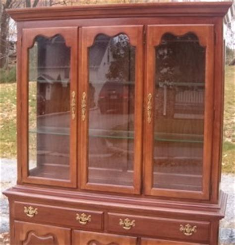 thomasville cherry china cabinet thomasville winston court cherry china cabinet ebay