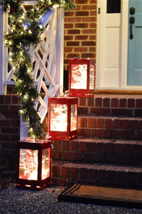 easy way to hang outdoor christmas lights outdoor holiday decorating the easy way to hang window