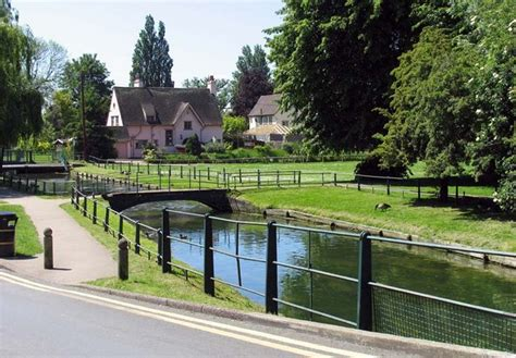 2 Bedroom Detached House For Sale Moving To Broxbourne Broxbourne Removals And
