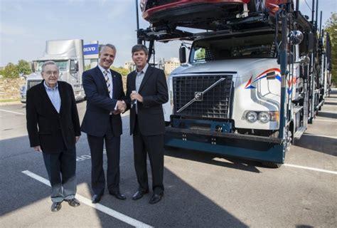 volvo trucks delivers  vah model  hansen adkins truck news