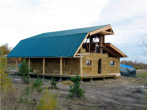 how to build an affordable home u of s lecturer builds cheap green straw house