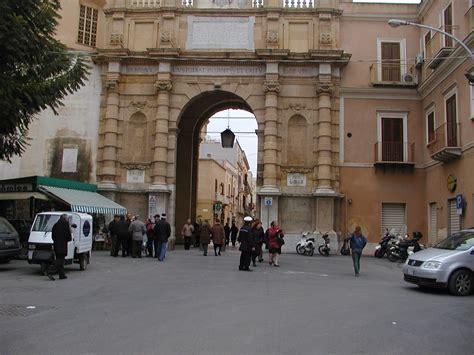 marsala nuovi divieti di fermata nel centro storico