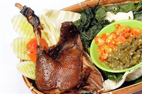 Paket 3 Pesona Kota Pahlawan cicipi kuliner lezat surabaya panduan wisata surabaya