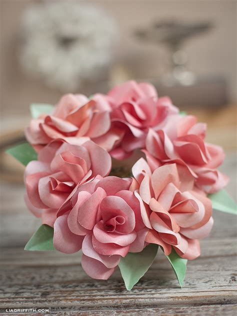 How To Make Small Paper Roses - make a mini paper wreath lia griffith