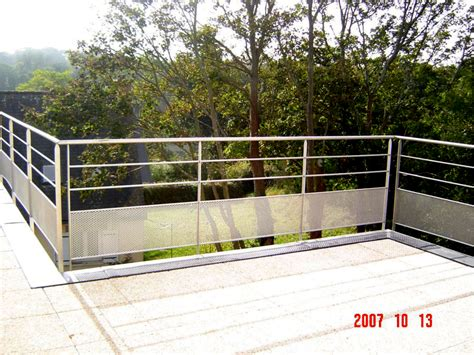 superior Bois Pour Terrasse Exterieure #1: Garde-corps-terrasse-exterieure-en-bois2.jpg