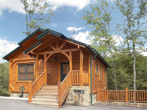 one bedroom cabins in gatlinburg gatlinburg cabin peaceful easy feeling 1 bedroom
