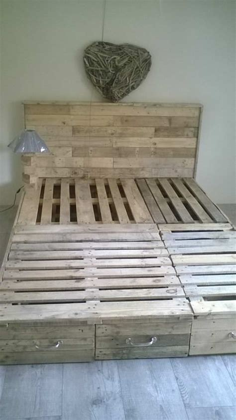 diy pallet bed frame best 25 pallet bed frames ideas only on diy