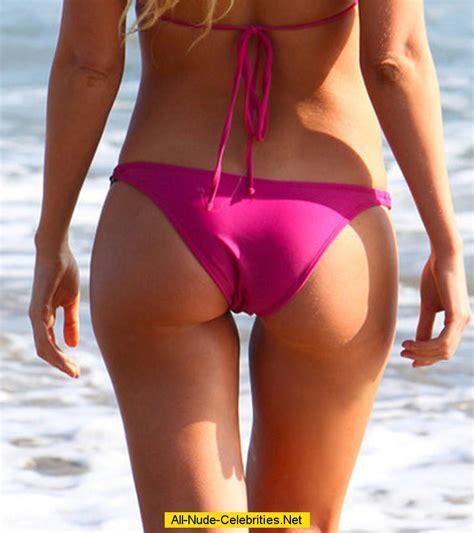 Sophie Turner Hard Nipples And Cleavage In Pink Bikini