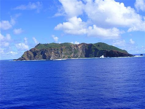 The Pitcairn Islands - volcanic islands in the southern ...