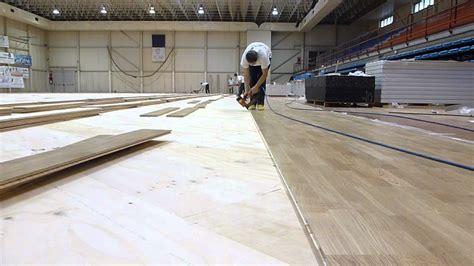 pavimenti palestre fasi di posa parquet per palestre