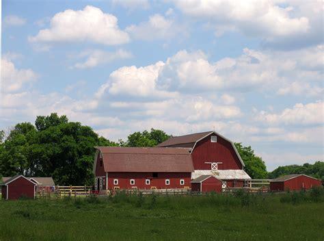 farmhouse ranch barns at the iowa farm iowa pinterest
