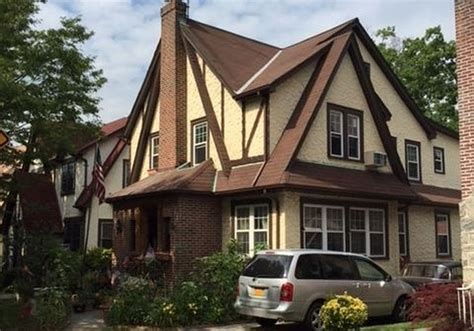 donald home donald trump s childhood home in is for sale at 1