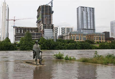 stevie ray vaughan statue caught   texas flood texas