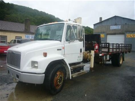 Rack Truck For Sale by 2002 Freightliner Fl70 Rack Knuckle Boom Truck For Sale By Arthur Trovei Sons Used