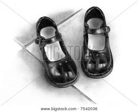 imagenes de zapatos a lapiz dibujo a l 225 piz de zapatos ni 241 as negro