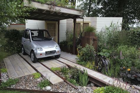Front Gardens: Garden or Car Park? Charlie Dimmock's