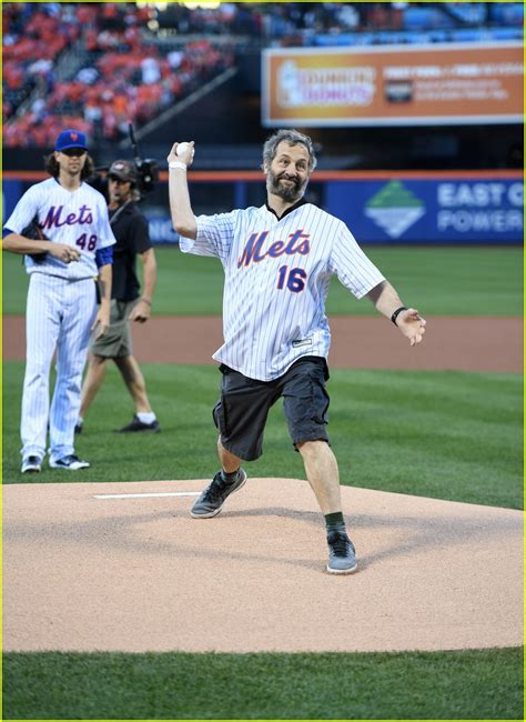 judd apatow pitch full sized photo of judd apatow throws out first pitch