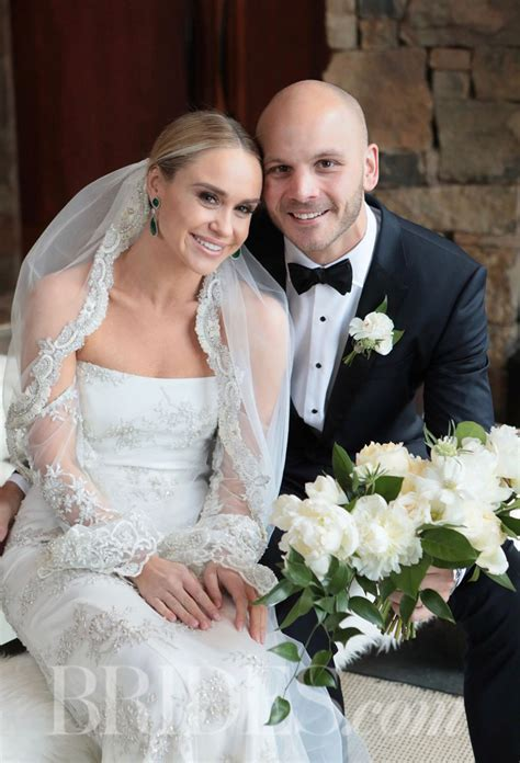 'Glee' Actress Becca Tobin Marries Zach Martin   Celebrity