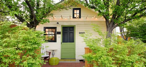 cottage tiny house swoon