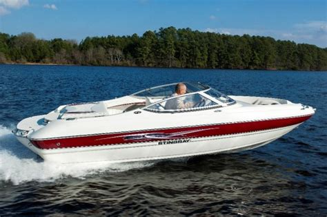 boating accident below deck stingray 198 lx classic bowrider boats