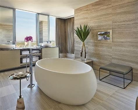 toronto bathrooms tripadvisor releases the top 25 hotels in canada for 2016