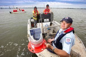 boating safety officer nsw lake mulwala lights up fishing world