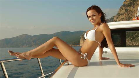 nestea commercial model hot seat stock video bikini beauty on luxury yacht 11898619