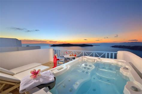 hotel rooms with outdoor tubs classic room tub imerovigli hotels absolute