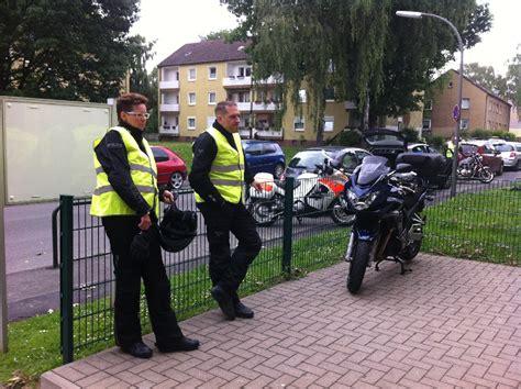 Motorradfahren Nach Schlaganfall by Erste Hilfe F 252 R Motorradfahrer Gs 500 De
