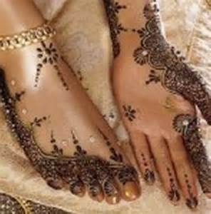 The mehndi designs of asha salva have also modrate and it provides