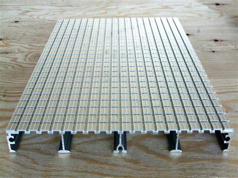 pavimenti in alluminio pavimento in alluminio aluplana pavimento aluscalae