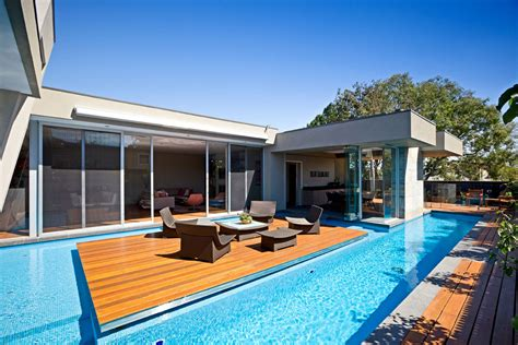 swimming pool house striking home in canterbury australia by canny