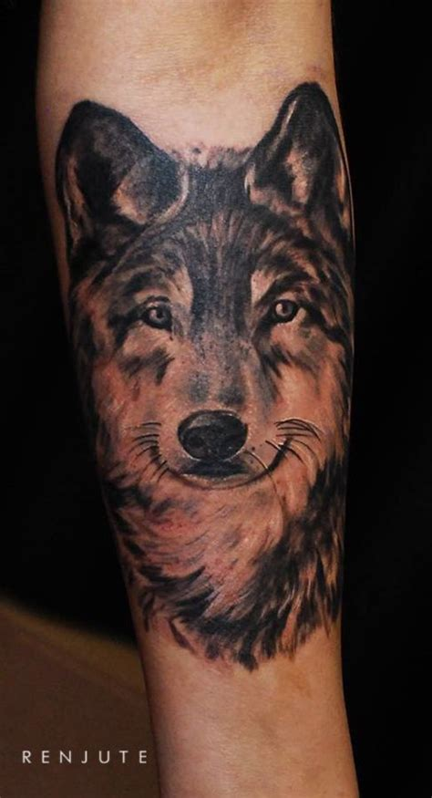 wolf tattoo forearm wolf tattoos forearm search tatoo