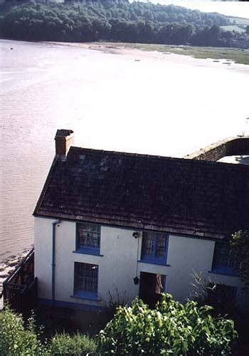 boat house laugharne neurotic poets neurotic poets the boat house in laugharne