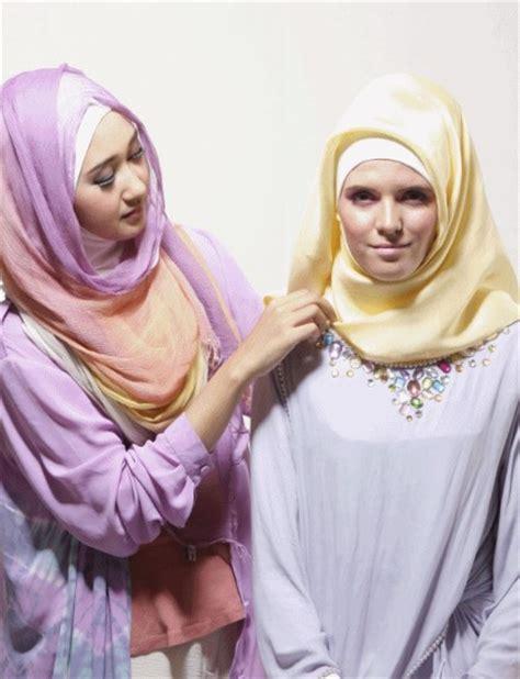 tutorial hijab pramugari ala dian pelangi tutorial hijab segiempat ala dian pelangi