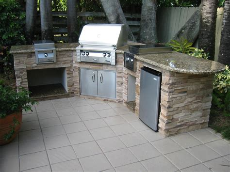 Outdoor Island Kitchen Kitchen Usual Foortile Model For Bull Outdoor Kitchens With Silver Stove Near Big Tree And