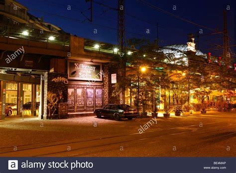beleuchtung berlin s bahnhof hackescher markt station with illumination for a