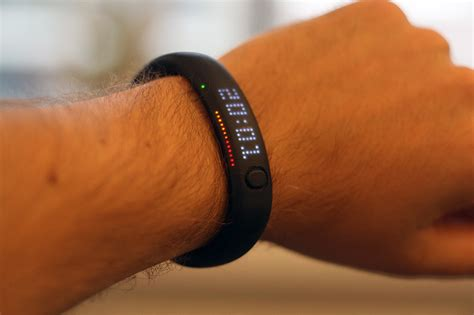 Kaos Scores Pressure Nike the new wave of smart wristbands smart ideas