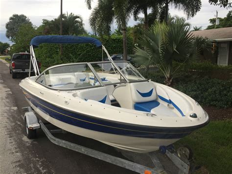 bayliner bowrider boats bayliner 185 br bowrider family sport fishing boat
