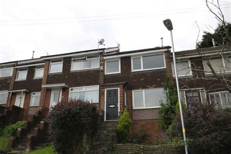 3 bedroom houses to rent in oldham 3 bedroom town house to rent in dalehead drive shaw